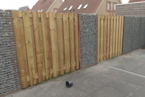 jorrit-hoekstra-tuinverzorging-tuinonderhoud-schutting-beton-hout-stenen