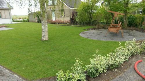 jorrit-hoekstra-tuinverzorging-tuinonderhoud-tuinaanleg-en-bestrating-oprit