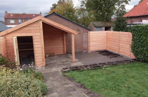 jorrit-hoekstra-tuinverzorging-tuinonderhoud-tuinhuisje-overkapping-en-schutting